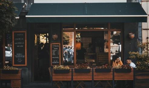 street cafe b
